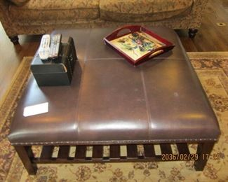 LEATHER TOP COFFEE TABLE/OTTOMAN