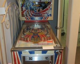 SPIRIT OF 76' PINBALL GAME IN AS IS CONDITION