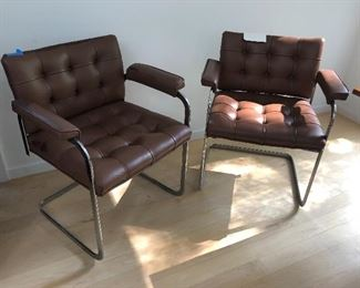 PAIR OF BROWN LEATHER STENDIG CHAIRS