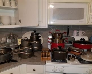 Assorted pots, pans (Thomasville, Farberware, Tramontina)