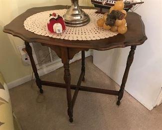 Antique Table $ 86.00