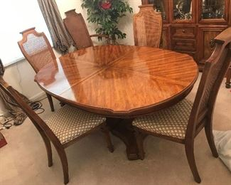 Dining Table / Leaf and 6 Chairs $ 284.00