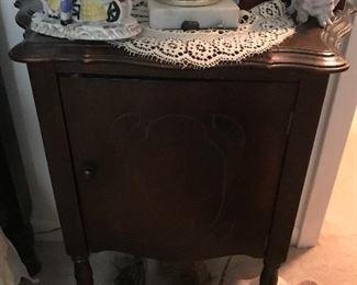 Antique End Cabinet $ 42.00