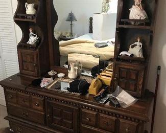 Dresser / Mirror $ 168.00