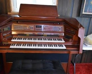 LOWREY ORGAN W/BENCH