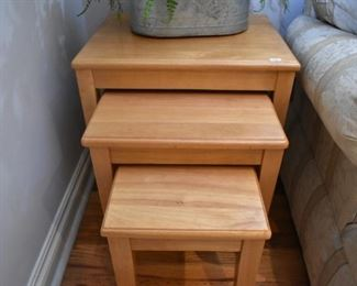 STACKING ACCENT TABLES