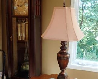 SIDE TABLE  DETAILED TOP / TABLE LAMP / GRANDFATHER CLOCK