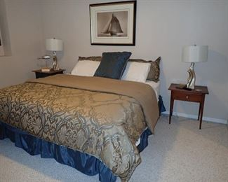 KING BED AND BEDDING / END TABLES / LAMPS
