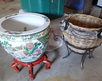 ASIAN POTS WITH STANDS