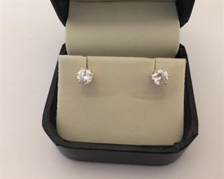 Diamond Stud Earrings https://ctbids.com/#!/description/share/225532