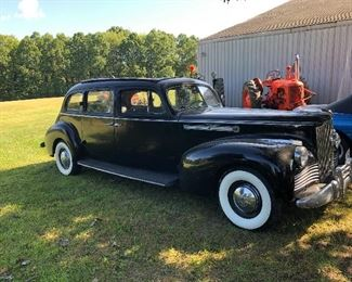 1944  LIMOUSINE PACKARD GREAT CONDITION AND IT RUNS