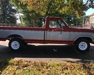 1982 V6 4 SPEED MANUAL FORD PICK UP TRUCK