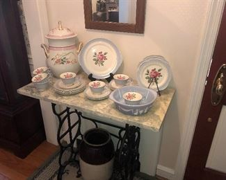 LIMOGES LUNCHEON SET - MEADOW ROSE