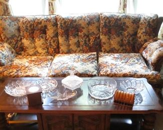 early american style vintage sofa