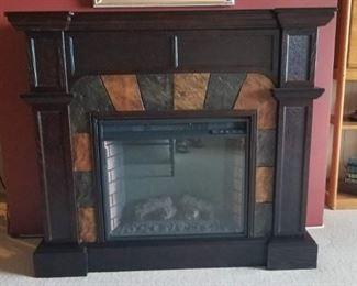 Impressive Southern Enterprises Electric Fireplace In Great Condition