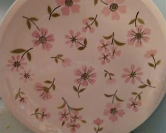 MIKASA  PASTELLE  PUFF SERVING PLATE