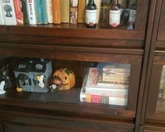 decor, books