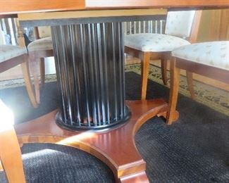 Round Neo-Classic Dining Table on Pedestal Base (detail base of Table)
