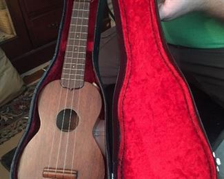 Vintage 1960's Martin Style 0 Soprano Ukulele w/case. Excellent Condition