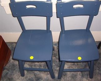 CHILDS SMALL WOODEN CHAIRS