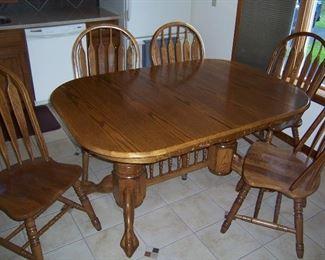 8 FOOT OAK TABLE W/8 CHAIRS