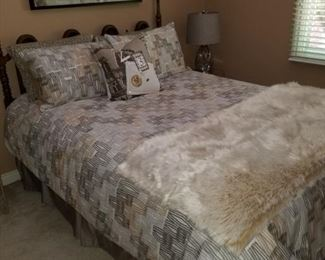 headboard (mattress set not included)