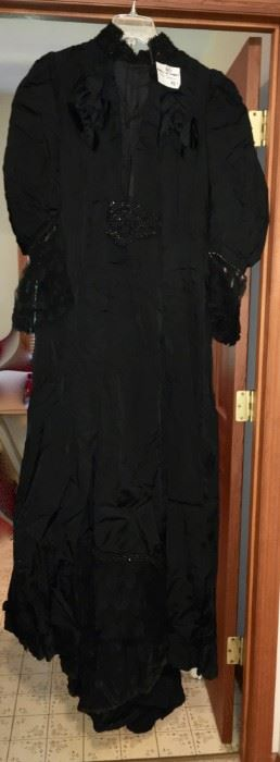 1800s mourning dress, perfect condition