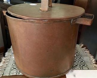 1840 covered copper pot