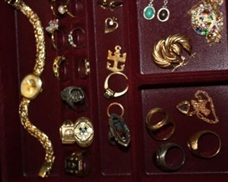 Jewelry including gold and silver