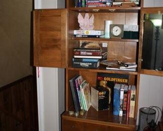 Ethan Allen bookshelf