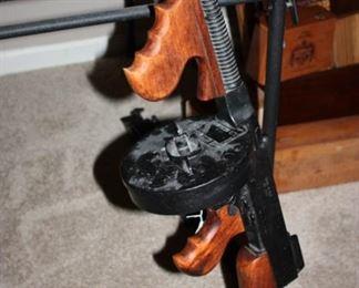 Tommy gun replica