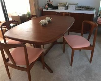 Teakwood table and 6 chairs