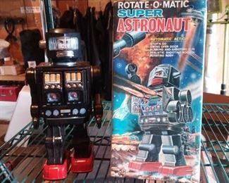 Vintage Rotate-O-Matic Super Astronaut w/box