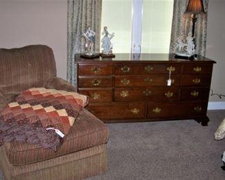 Outstanding mahogany dresser