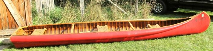 Exceptional 1919 Kennebec square stern canoe. Condition appears excellent, has new tag thru 2022. Can handle up to a 4hp. motor.   >> More canoe pictures at end below.
