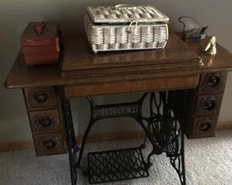 Singer sewing machine, original owner, in great working condition.
