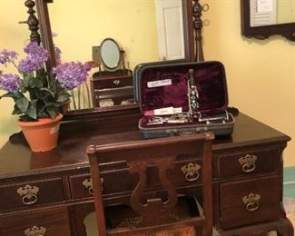 Biggs Furniture Vanity with Mirror