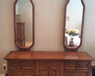 Thomasville Dresser perfect condition