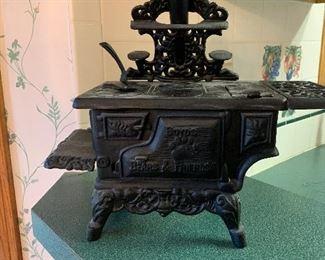 Cast Iron child's cook stove