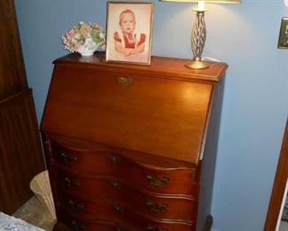 one of two,vintage dresser desk ,lamp art