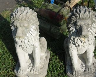 MAJESTIC CEMENT LIONS.  STATEMENT PIECES.