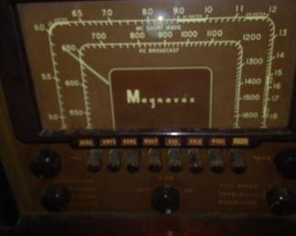 Vintage Magnavox radio