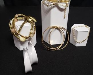 Costume Jewelry  Assorted Bracelets