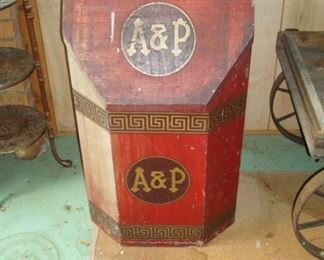 Antique A&P advertising lift top wood box.