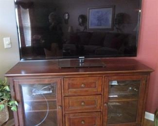 60' Flat ScreenTV....  Beautiful large Cabinet for Storage, TV... Could be used in an Entry Hall..