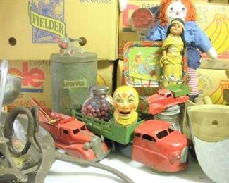 Just a very small sampling of some of the old tin toys available during this sale.