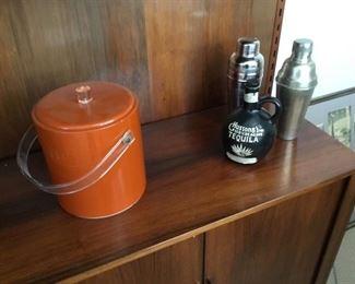 vintage mid century ice bucket nice $20