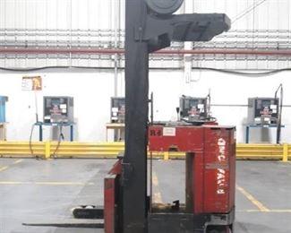 Raymond Forklift Model #: 31-R40TT