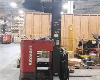 Raymond Easi Reach Forklift