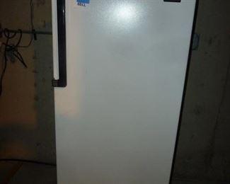 small bar refrigerator